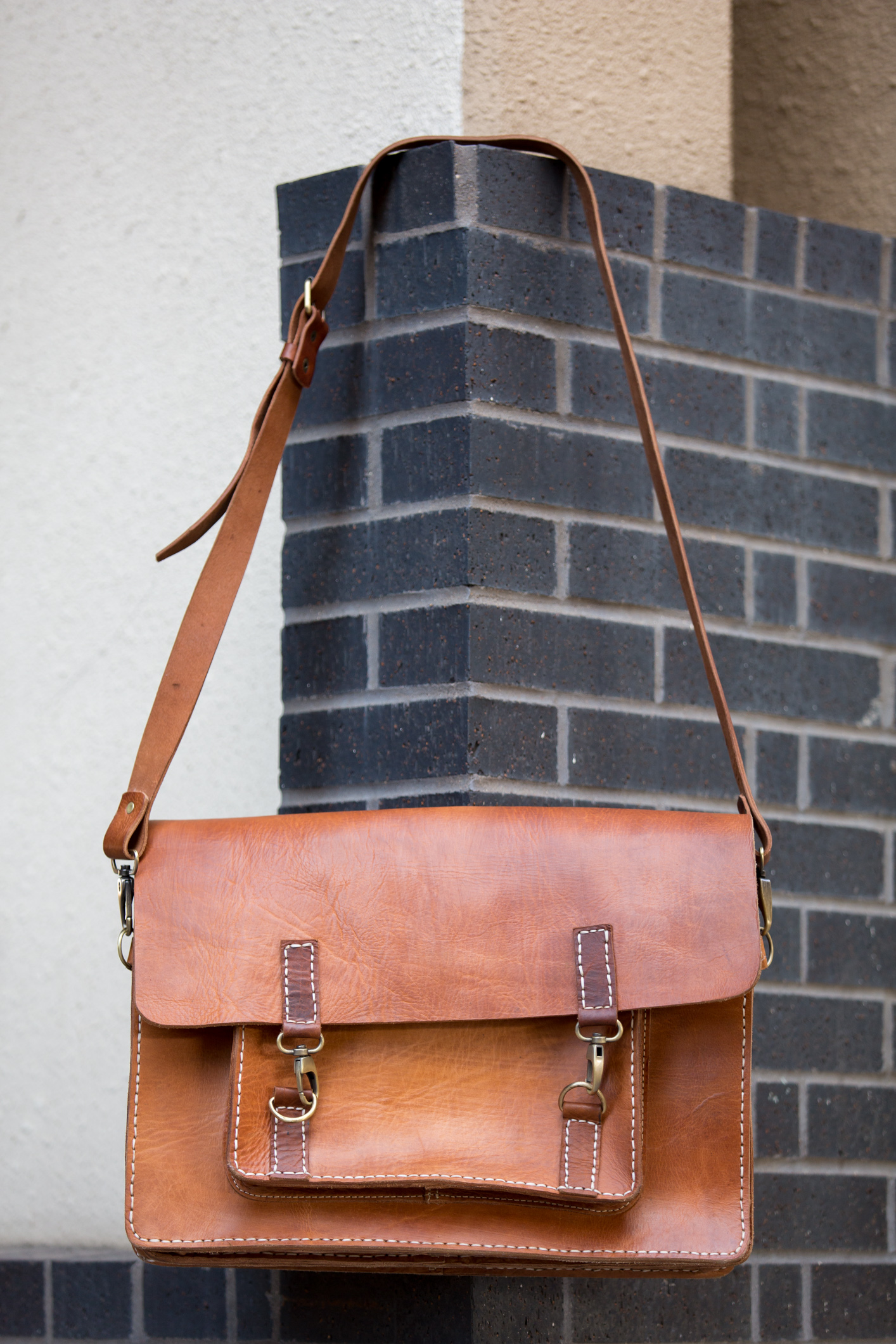 Laptop Bag Brick wall straight